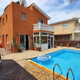 3 Bedroom Detached house for sale in Chloraka, Paphos